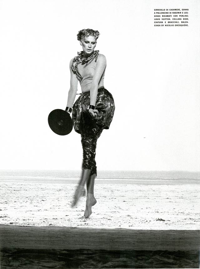 VOGUE Italy - Peter Lindbergh - Kristen McMenamy - Deauvile