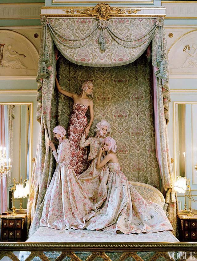VOGUE US - Tim Walker - Kate Moss